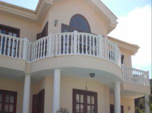 balkon-v-chastnom-dome-a