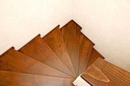 Лестница в доме 1